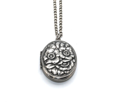 LOCKET MEDIUM OVAL Silver Rose Etch