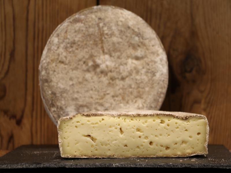 Tomme de Savoie Fermière  150 g  environ