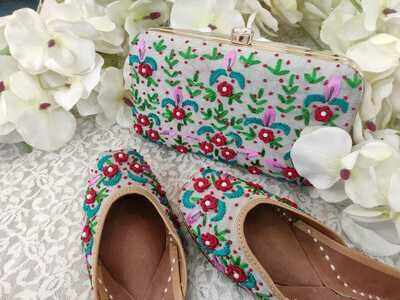 Hand Crafted Floral Baby Pink Mojaris