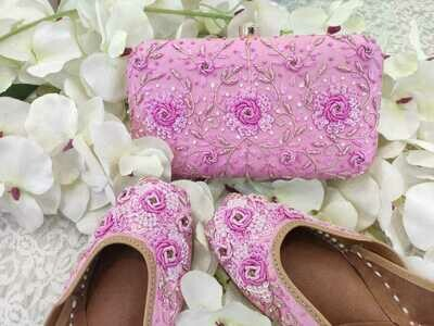 Hand Crafted Floral Pink Flower Mojaris