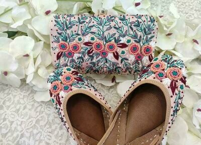 Hand Crafted Flower and Leaves Mojaris