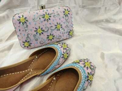 Hand Crafted Embroidered Light Pink Floral Mojaris