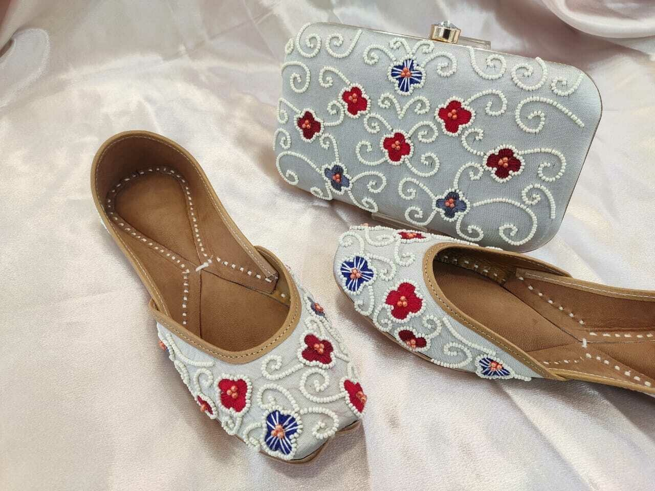 Hand Crafted Floral Embroidery Mojaris