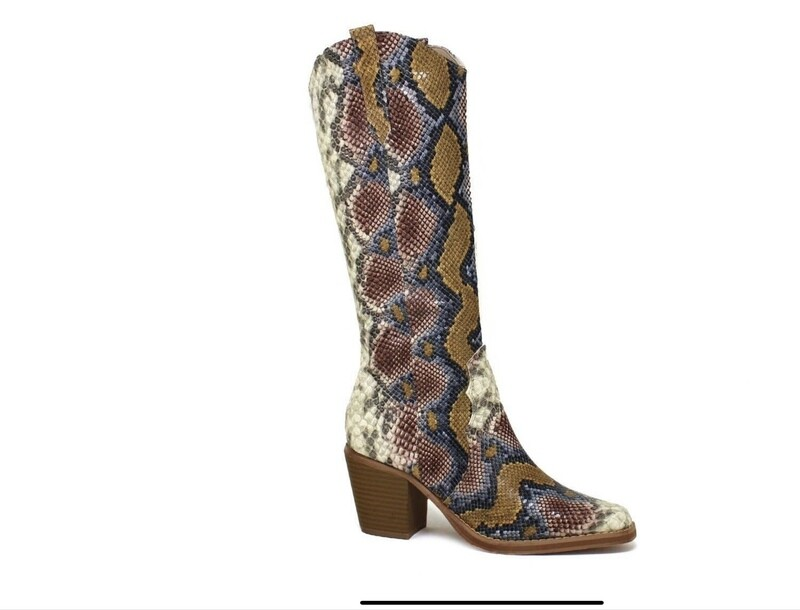 Dolly Boots