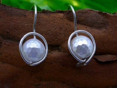 Faceted Mother of Pearl - Clips