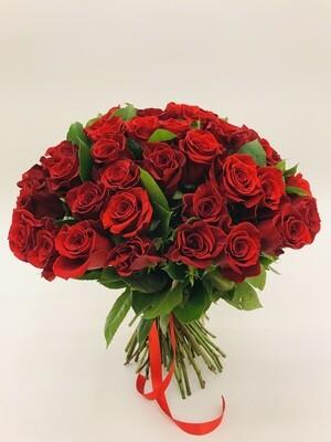 Роза красная Эквадор 50 см 25 шт
