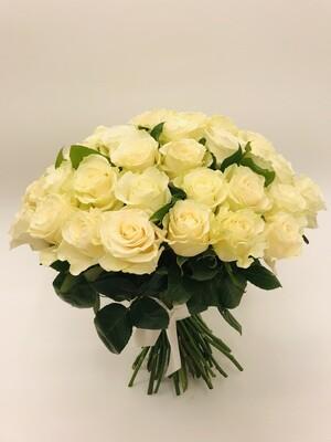 Роза Белая Эквадор 50 см 25 шт