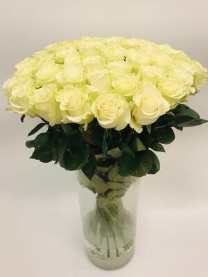 Роза белая Эквадор 70 см 25 шт