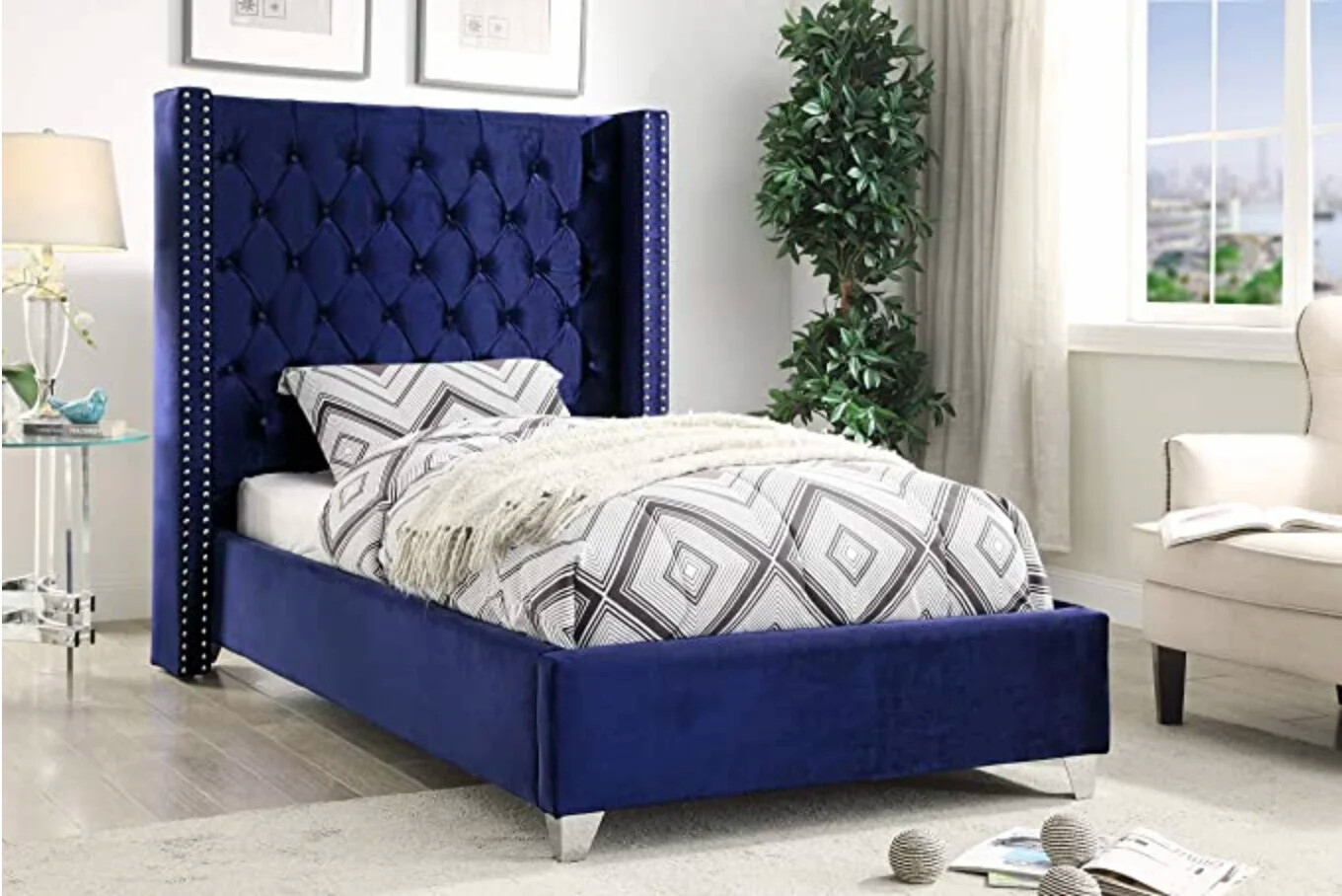 Uno Wing Bed in Blue Color