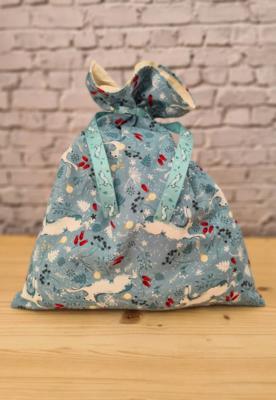 Medium Reusable Christmas fabric gift - HOME