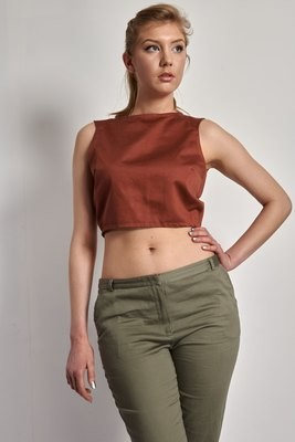 Nicolette - Sleeveless Crop Top