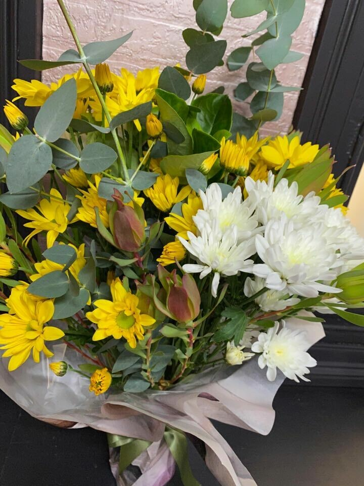 Bright Australiana Blooms