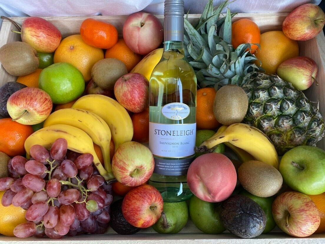 Deluxe Fruit Box with Wine