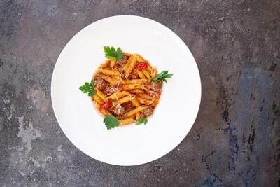 Пенне с фрикадельками в томатном соусе