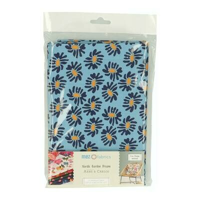 Pre-Cut Cotton - Arne & Carlos - Nordic Garden Dream - Solhatt-Blue (100 x 145 cm)