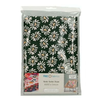 Pre-Cut Cotton - Arne & Carlos - Nordic Garden Dream - Solhatt-White (100 x 145 cm)