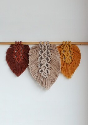 Wallhanging Feathers