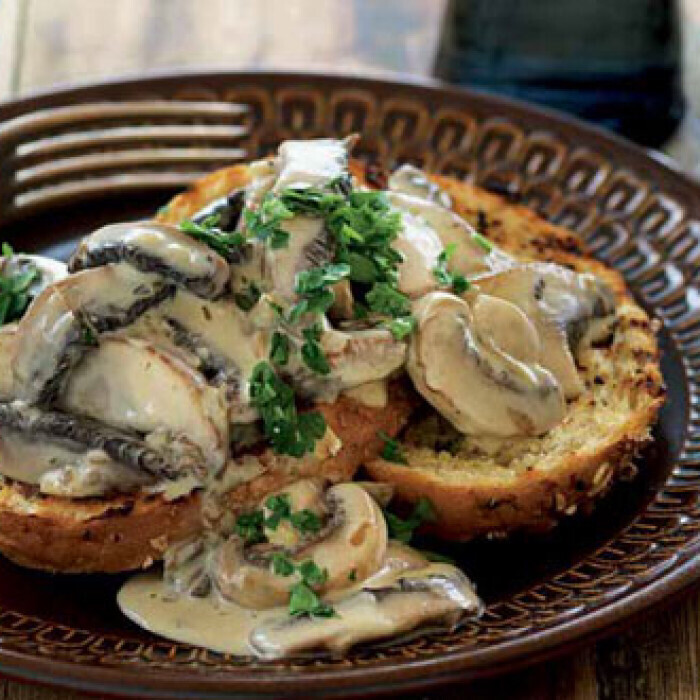 BLUE CHEESE & CREAMY MUSHROOMS