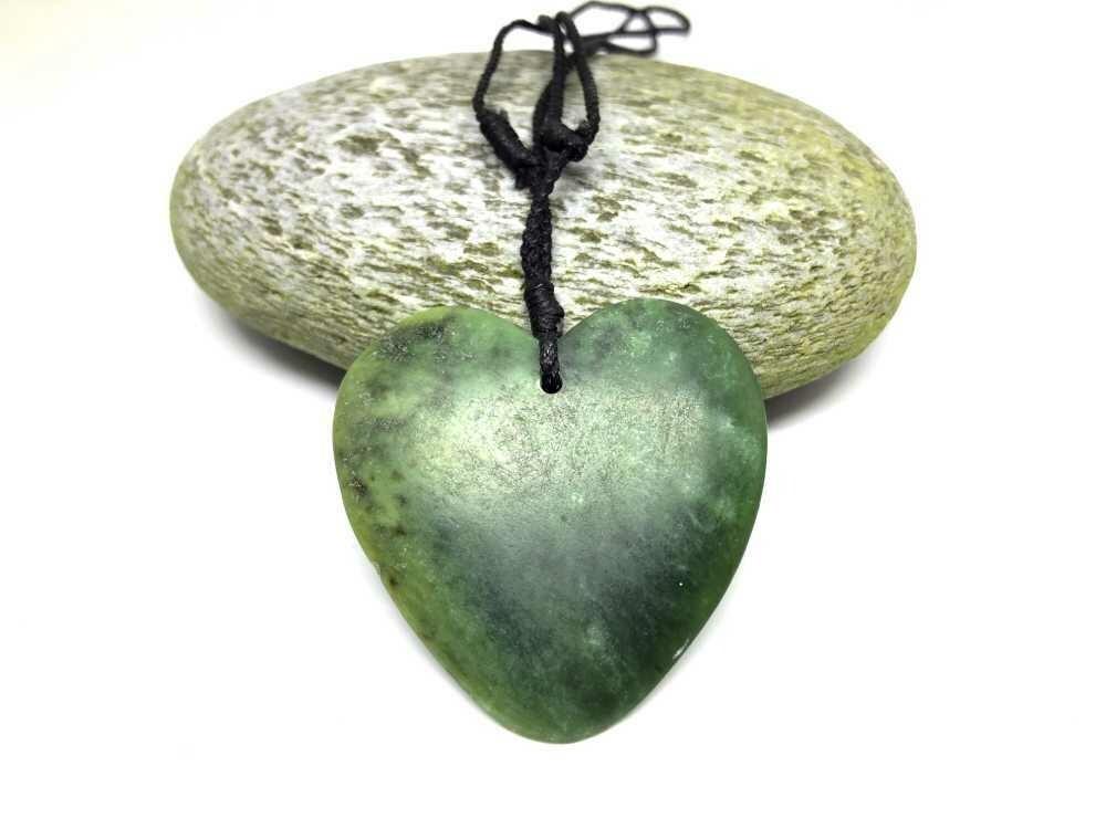 Raukaraka Jade Heart Pendant