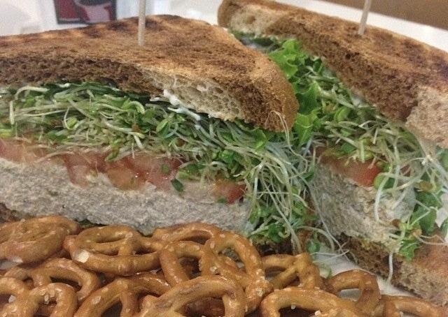 SANDWICHES - Basic Sandwich (Choice of meat)