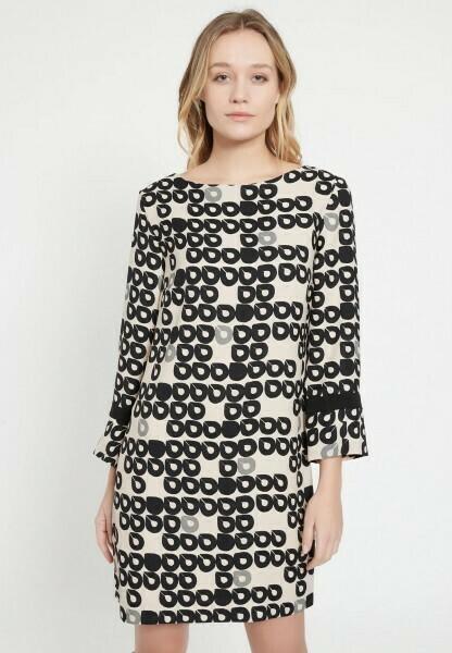 Ana Alcazar Kleed print