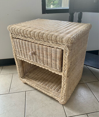 Whitewashed Wicker End Table *NEW*