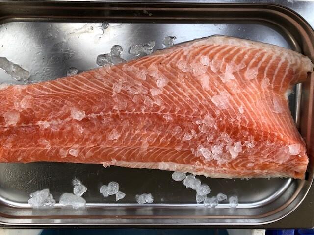 1 kg of Fresh salmon side
