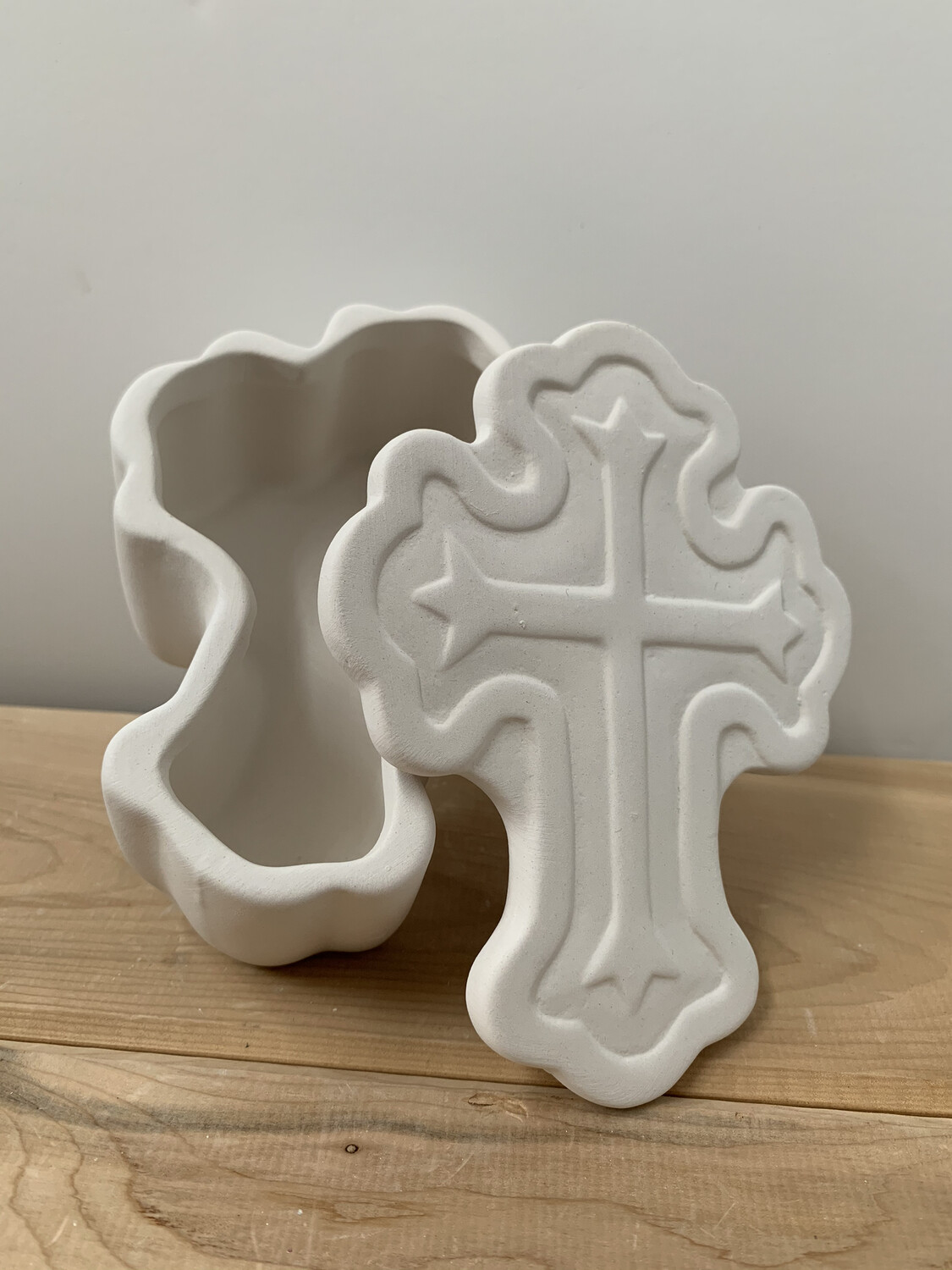 Paint Your Own Pottery - Ceramic   Ornate Cross Box Painting Kit