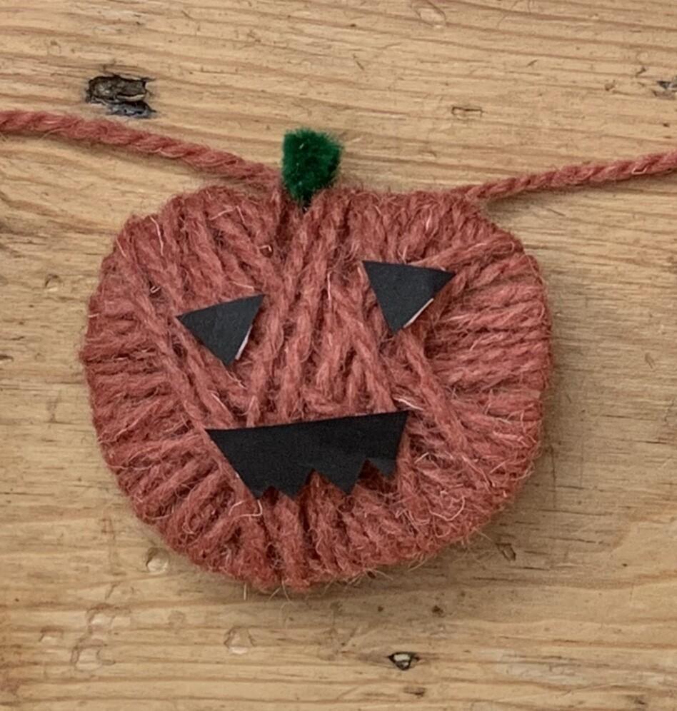 Pumpkin Garland Kit