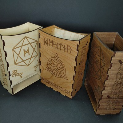 Wooden Dice Tower: Celtic
