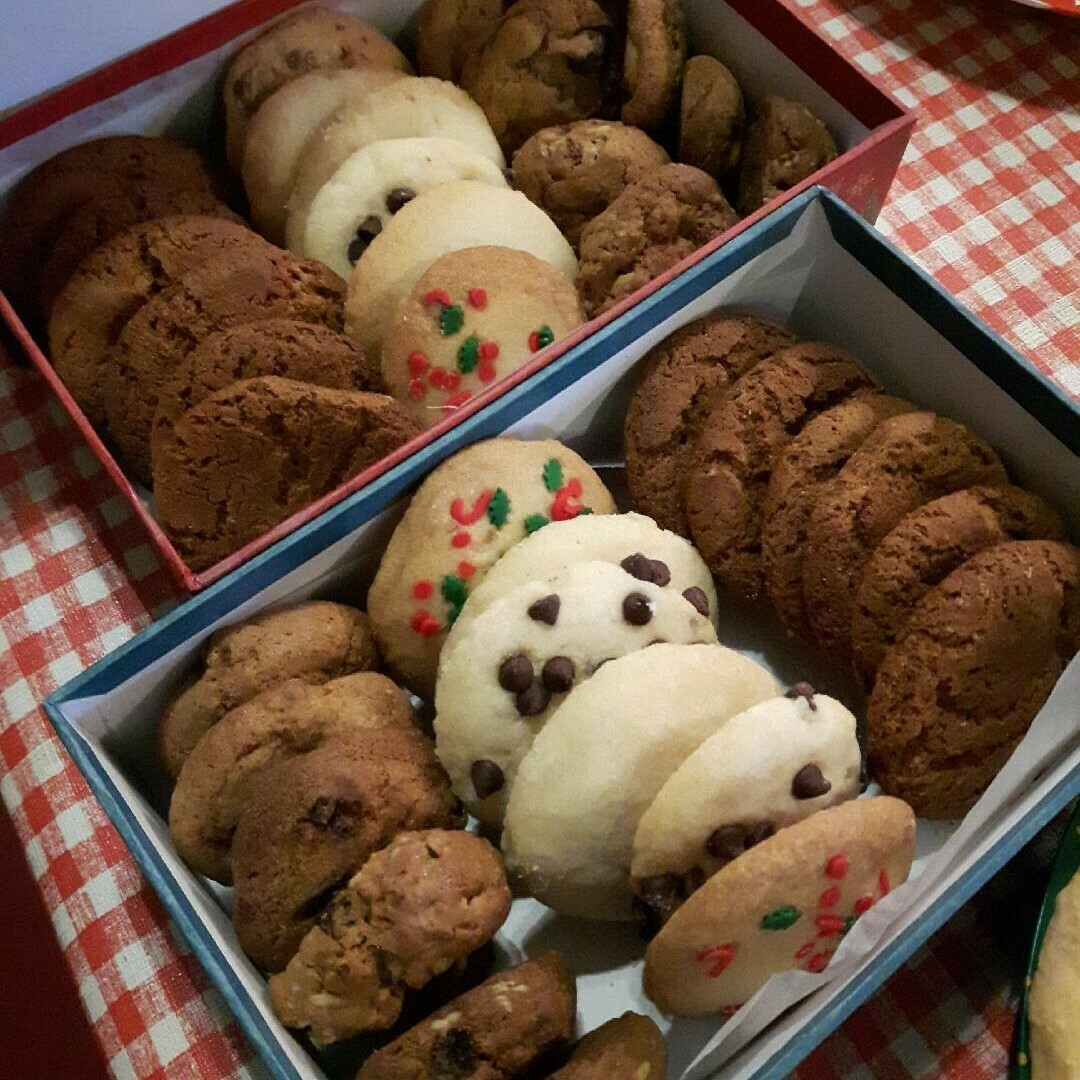Christmas Cookie Platter (variety of sizes)