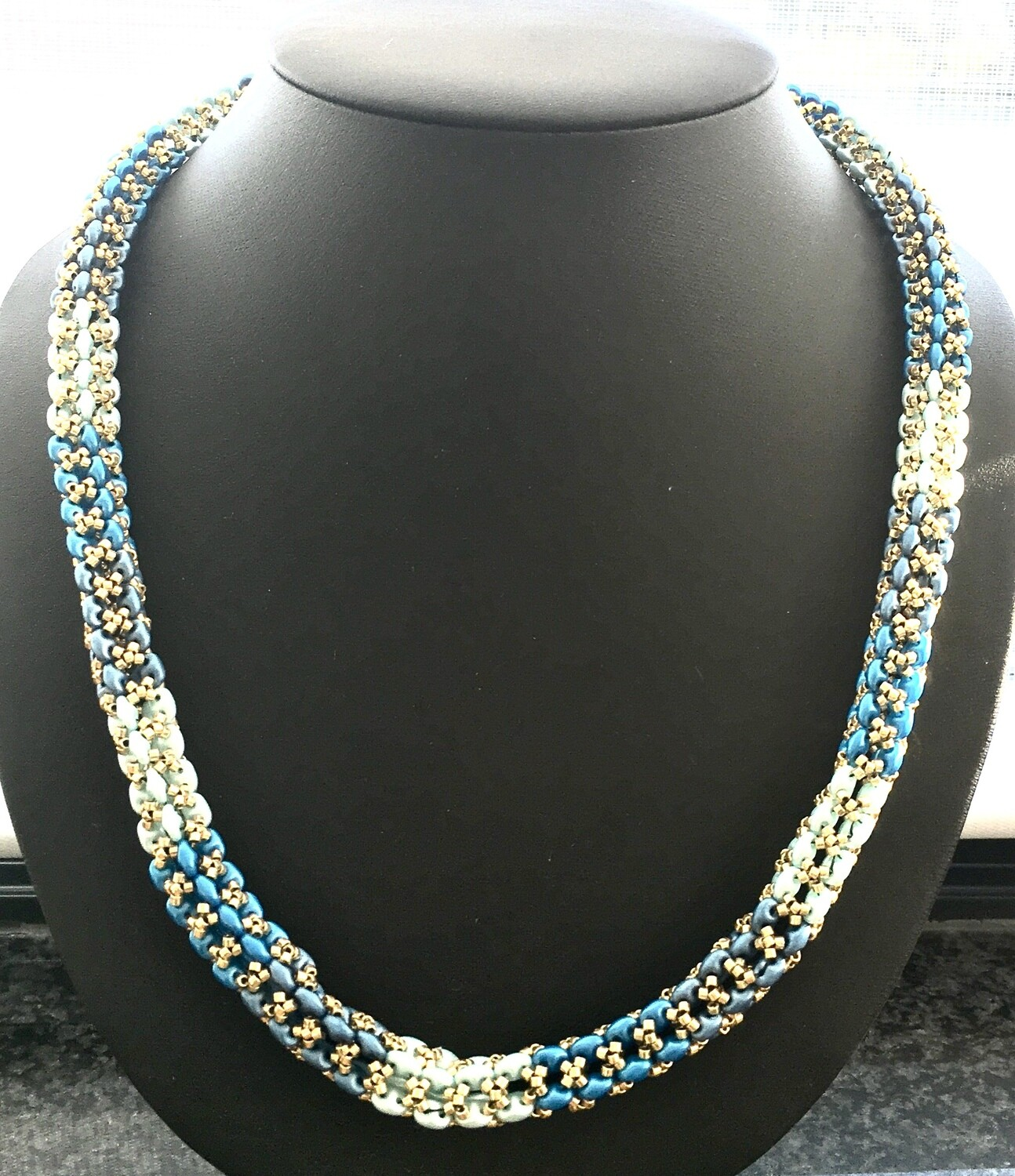 Square weave necklace