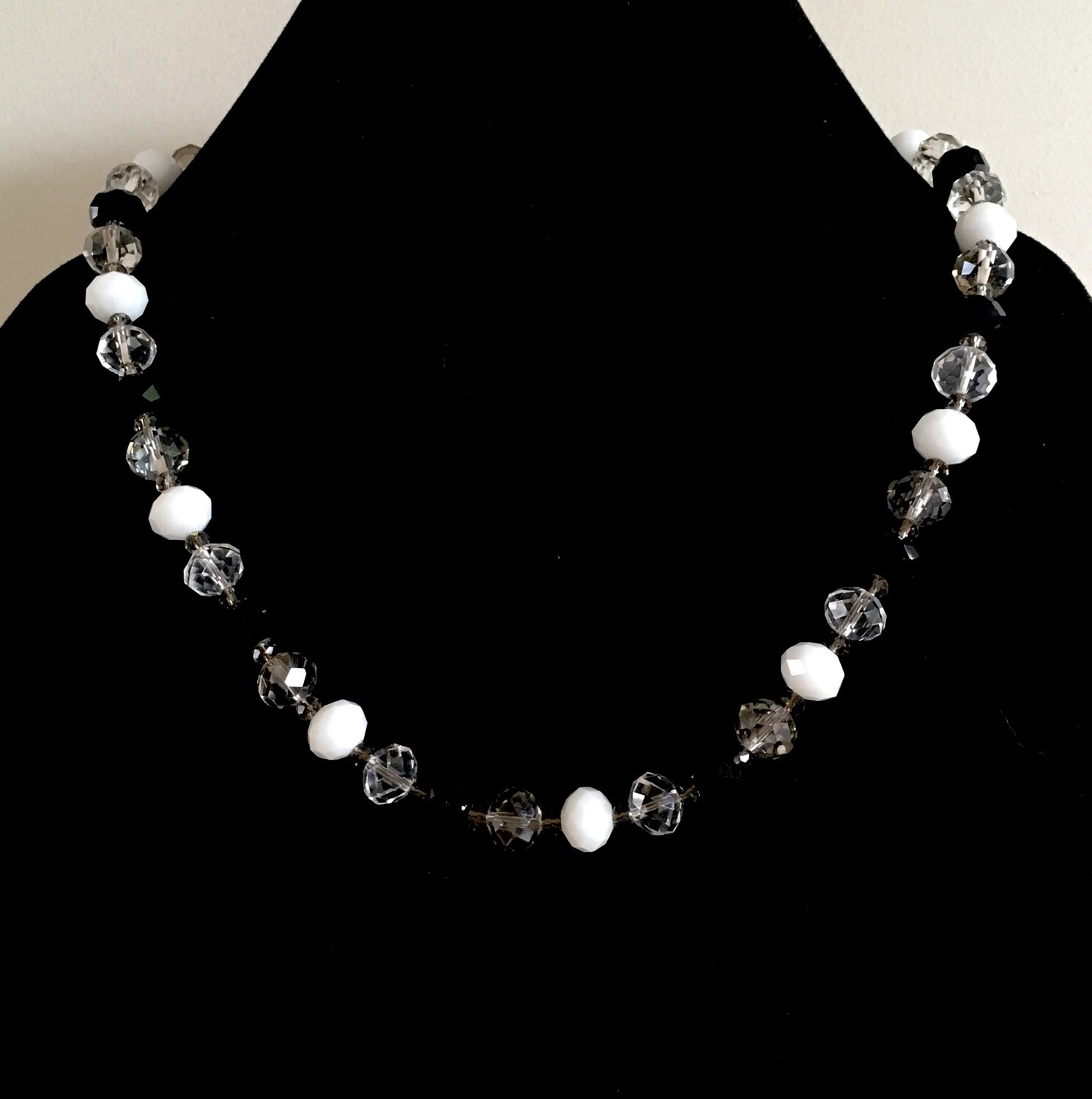 White,black and transparent faceted beads necklace