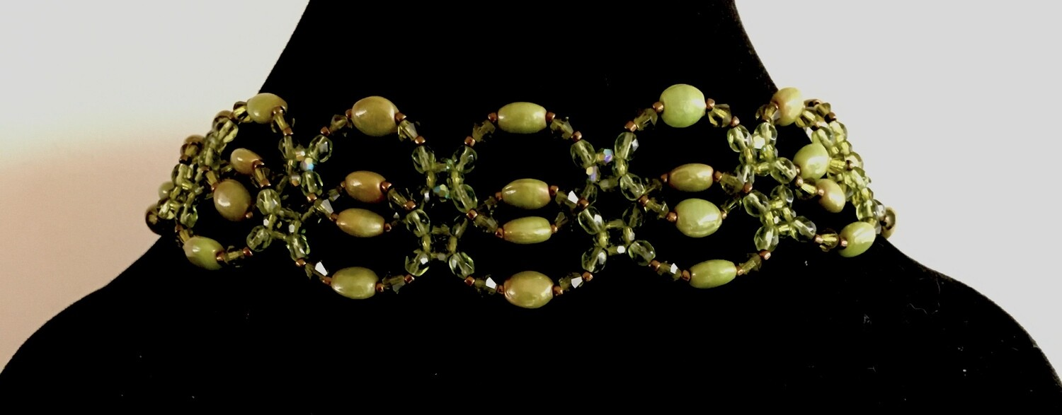 Green interlocking beads choker