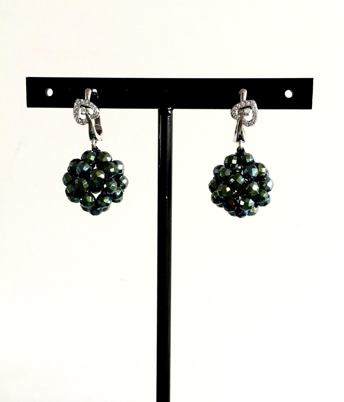 Veridian green heart earrings
