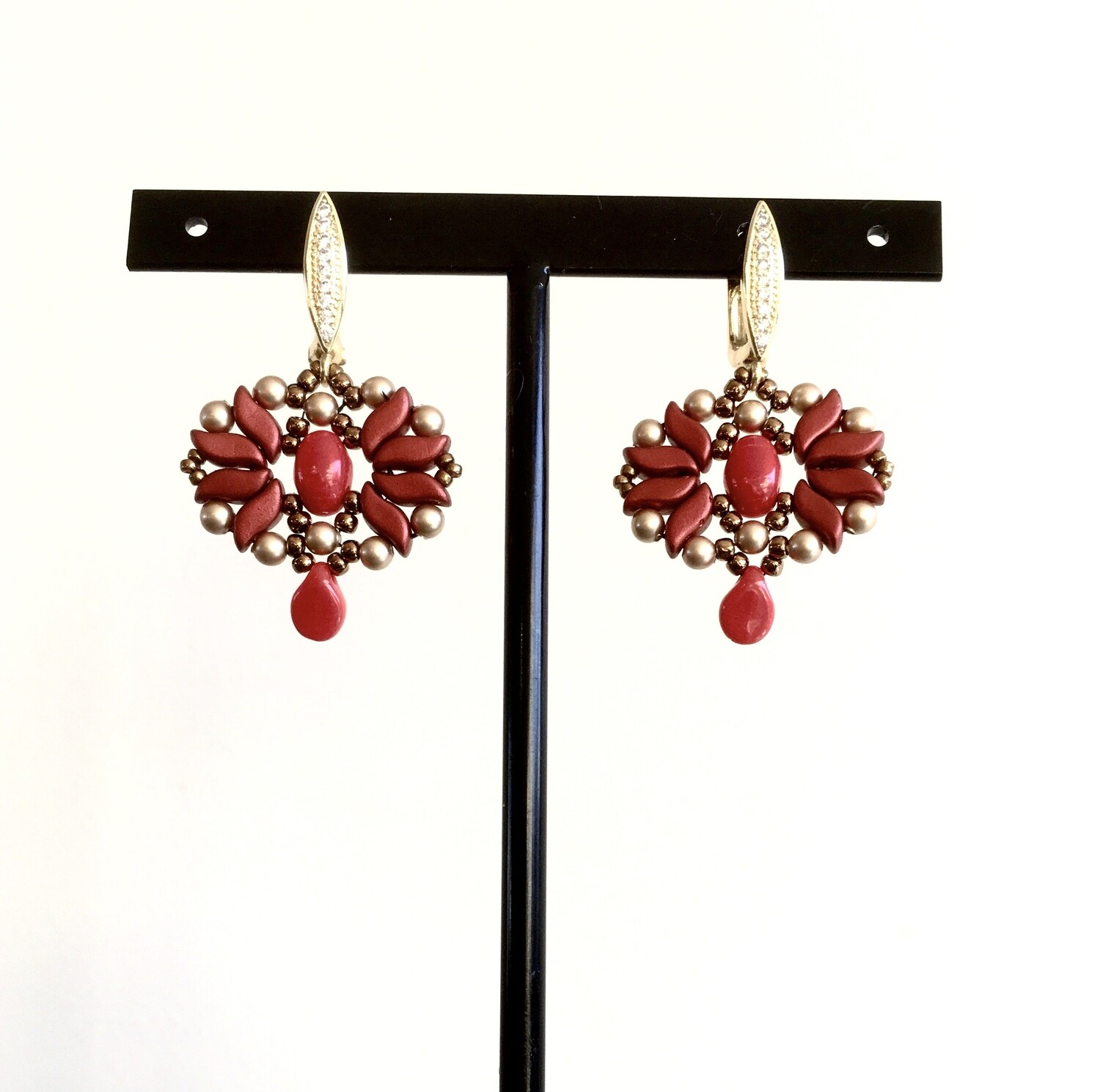 Crimson star earrings