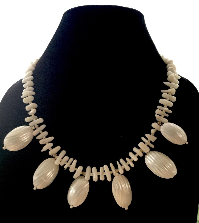 Creamy Tahiti necklace