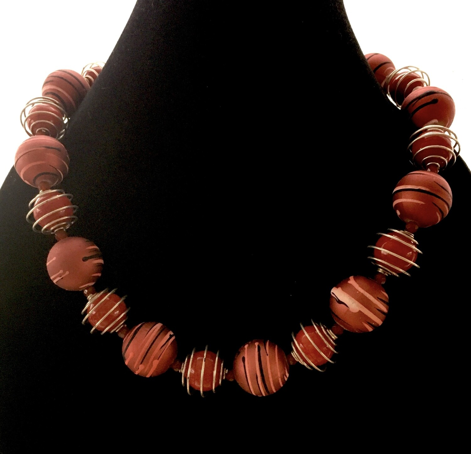 Red Saturn beads necklace