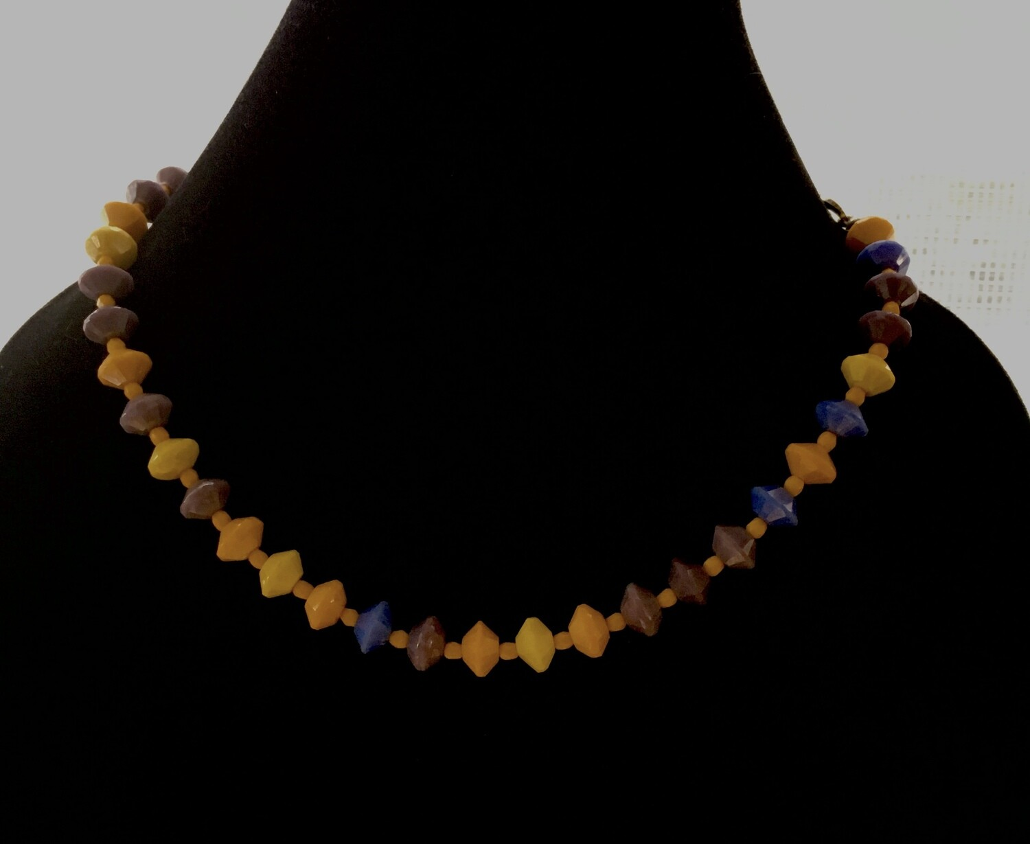 """""""Flying saucers """" beads necklace"""