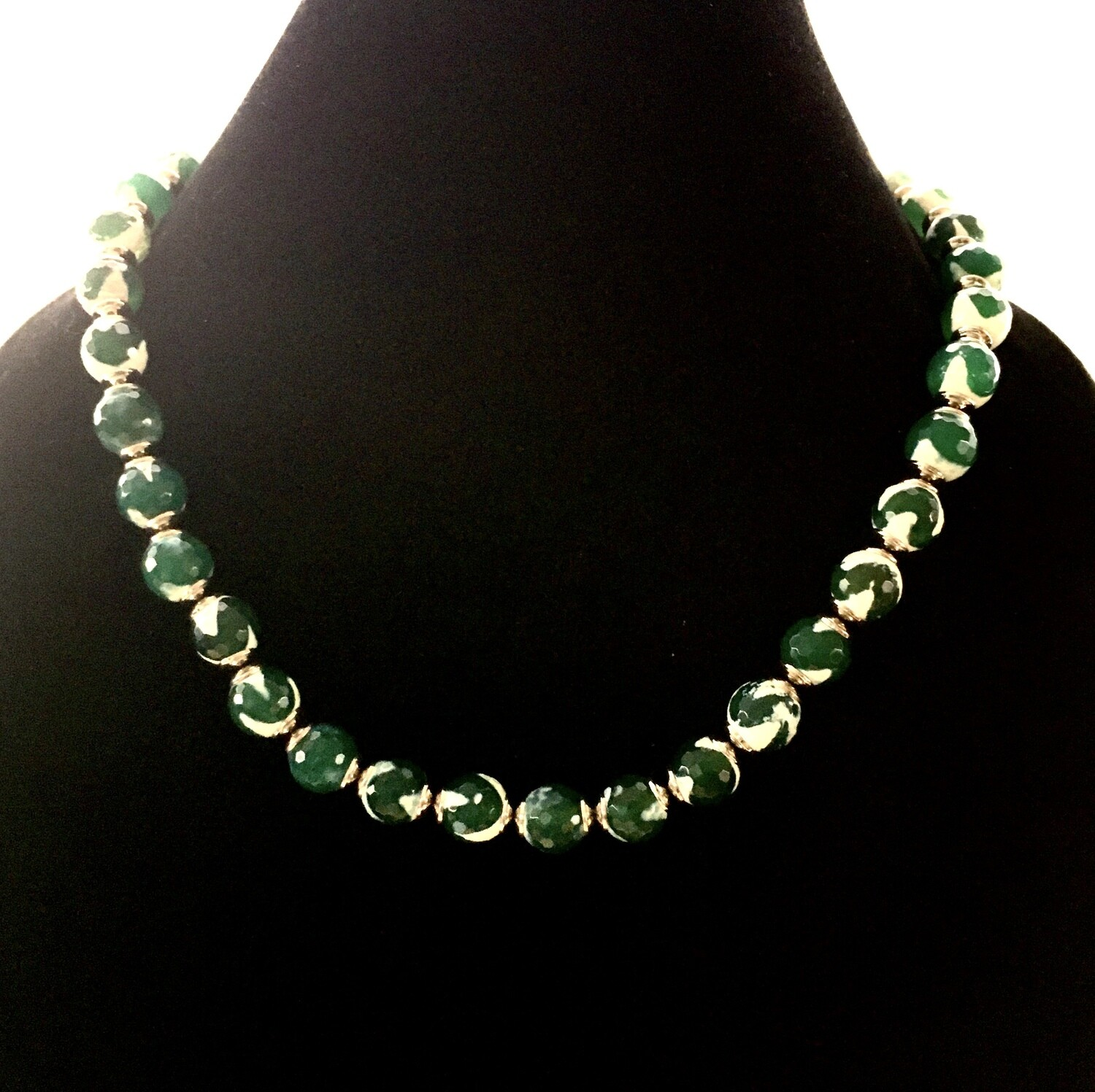 Green/white agate necklace