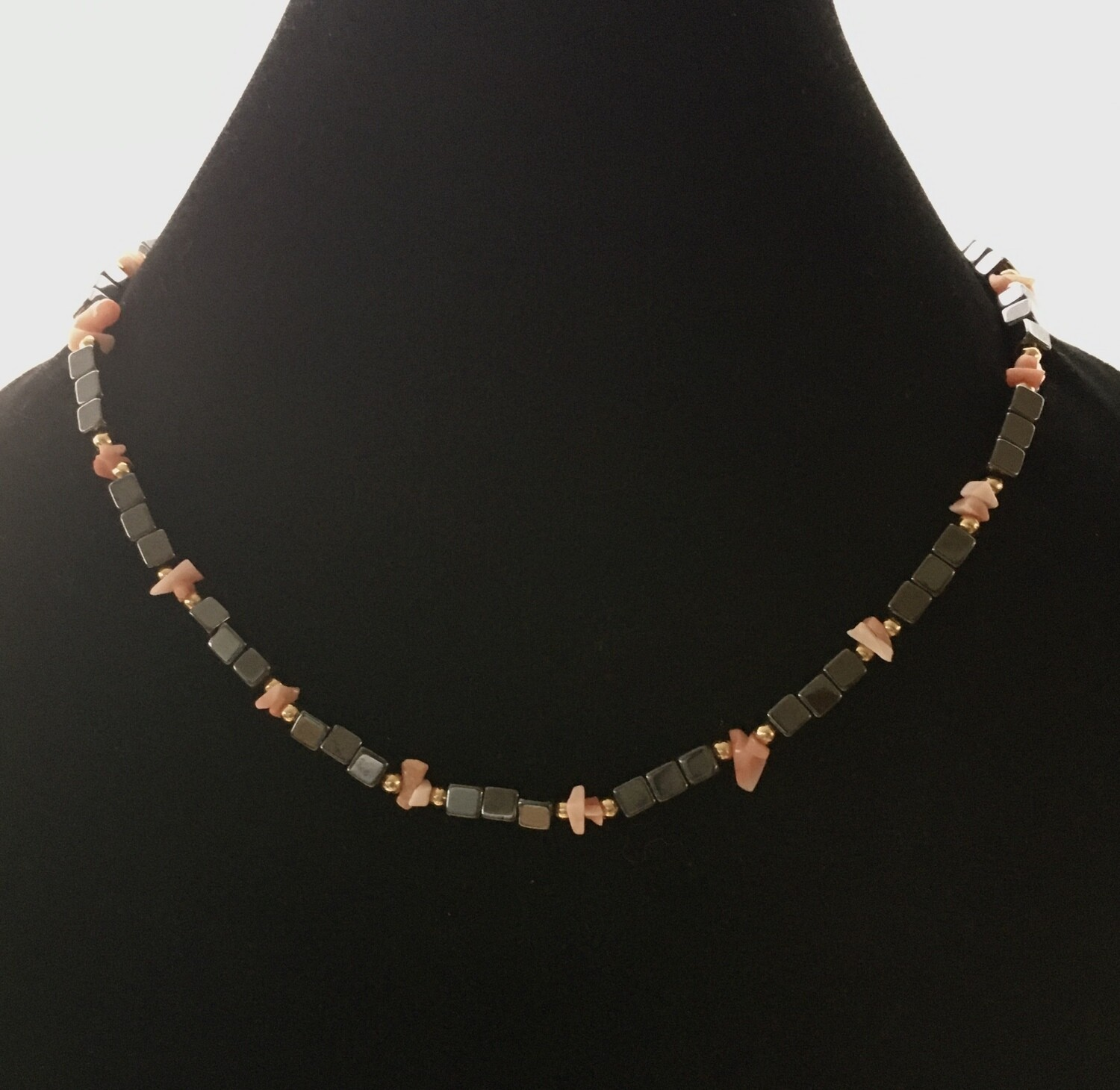 Hermatite and rose chips beads necklace