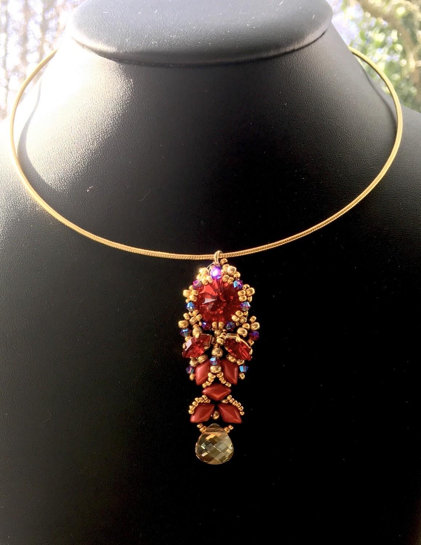Crimson splendour necklace