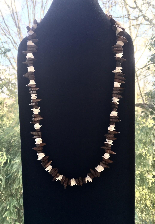 Ebony and Ivory chips necklace