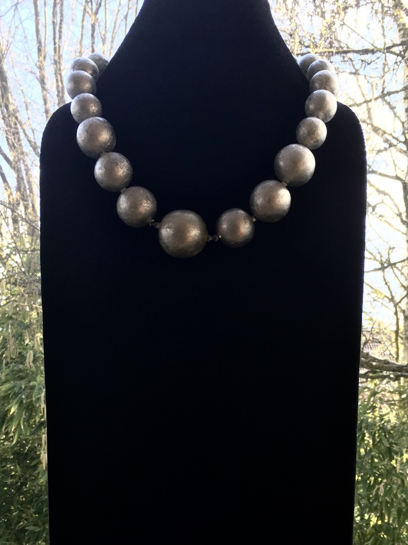 "Silver ""Mardi gras"" bubbles necklace"