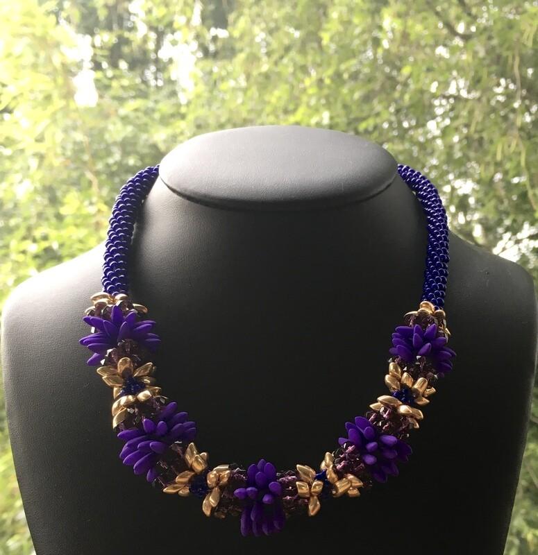 Flower power Kumihumo (purple)