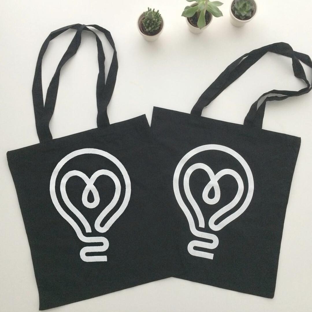 8tea5 Tote Bag [Lightbulb]