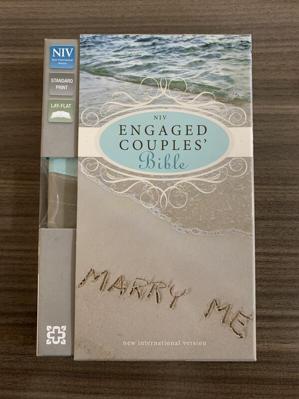 NIV Engaged Couples Bible