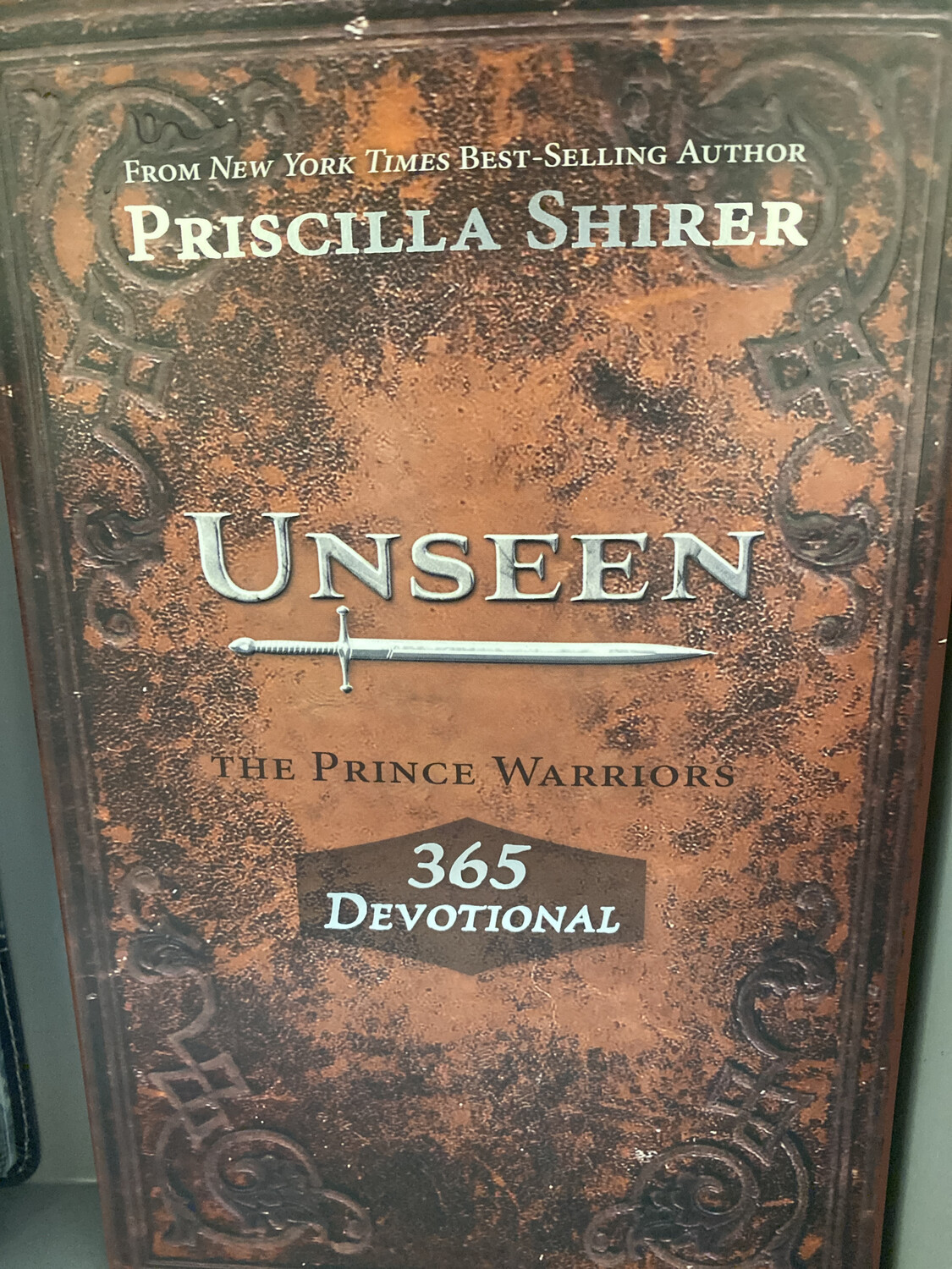 SHIRER, Unseen Devotional