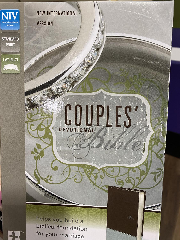 NIV, Couples' Devotional Bible