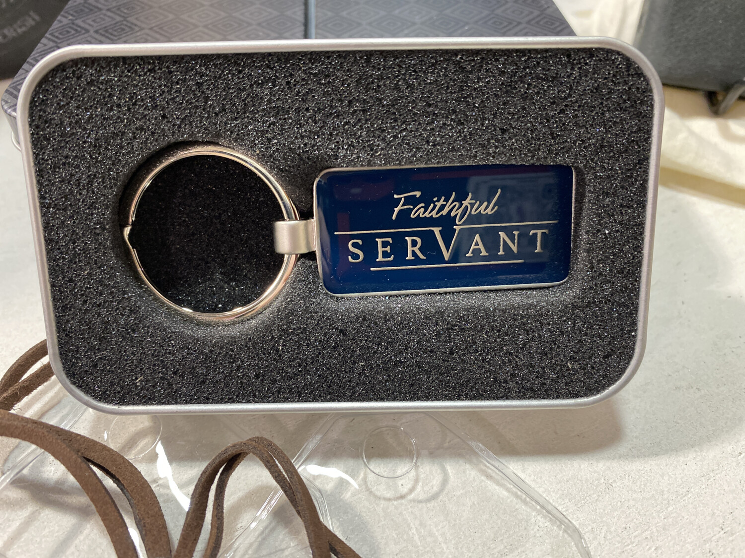 Keyring, In Tin Faithful Servant